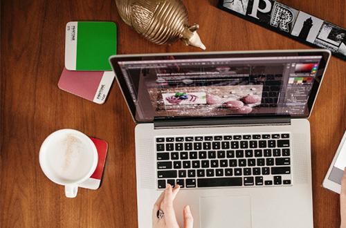 Il est possible de connecter plusieurs appareils à un même écran interactif