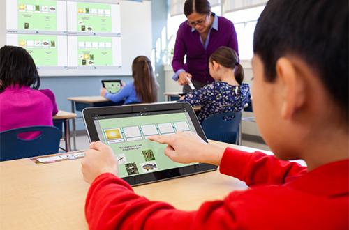 MimioMobile permet aux élèves de travailler ensemble sur des exercices