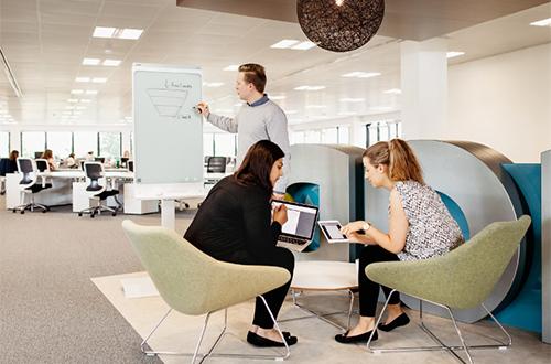 En connectant vos appareils, même à distance, vous profiterez d'une réunion élargie