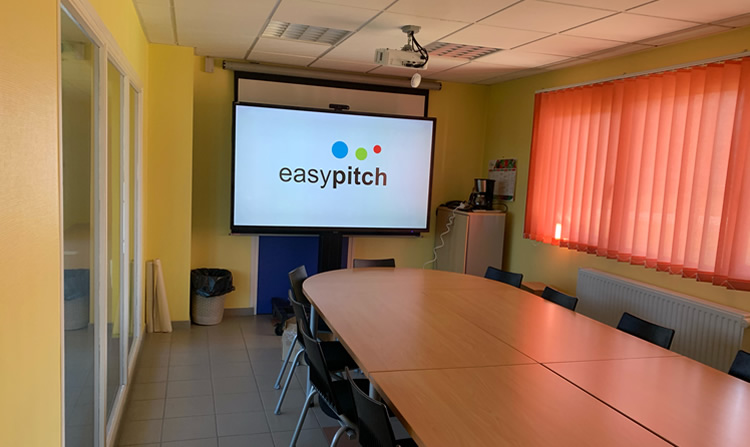installation écran interactif en milieu hospitalier